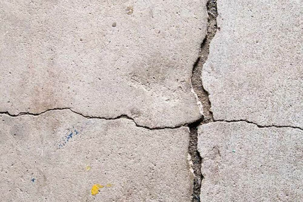 crack garage floor